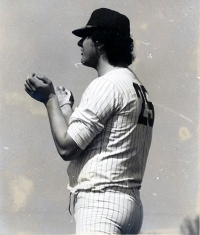 1977 Venanzi Fausto applaude